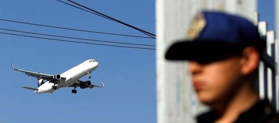 El lunes, Reuters informó que ambos países analizan poner alguaciles aéreos...