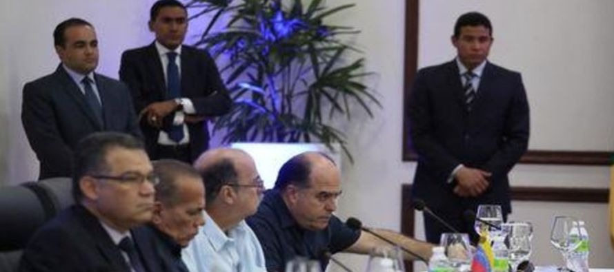 Ambas delegaciones regresarán a Caracas para realizar consultas sobre lo tratado en la...