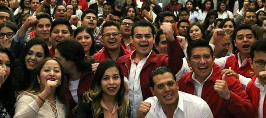 En octubre de 2016, Rodrigo Escalante, afiliado del PRI de 34 años, publicó un texto...