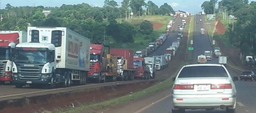 El Ministerio de Obras Públicas mantiene que esa circulación de los camiones...