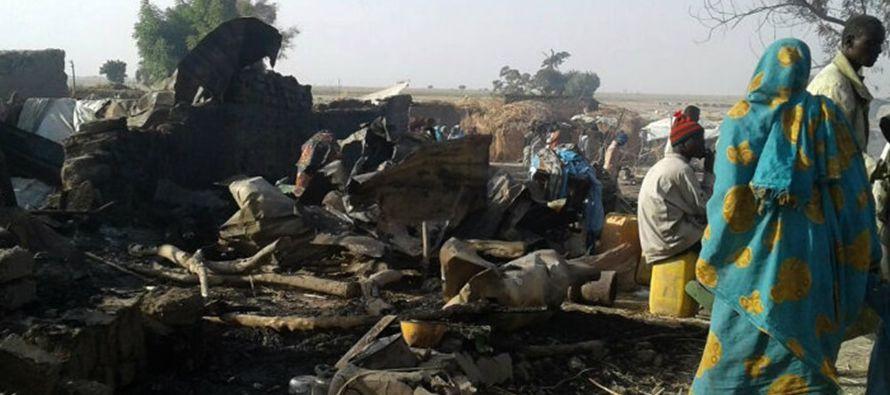Más de 20,000 personas han muerto desde el comienzo de la insurgencia yihadista en la zona,...