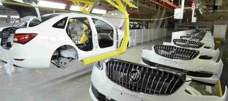 Por su parte, GM terminó enero con un ligero aumento de sus ventas, del 1,3 %, gracias a la...