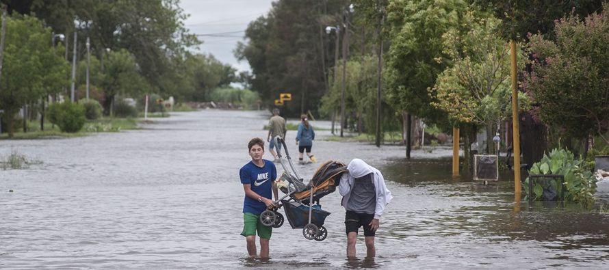 """""""Se está trabajando en los centros de evacuados, la prevención y..."""