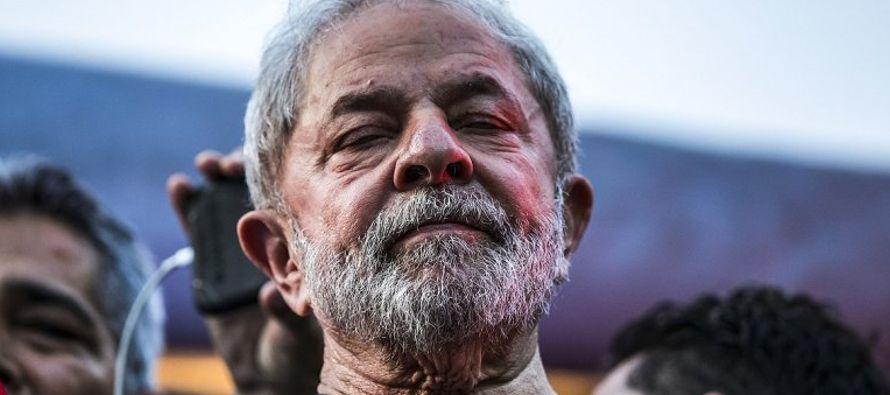 """Los abogados de Lula ya habían solicitado un """"habeas corpus"""" preventivo a otra..."""