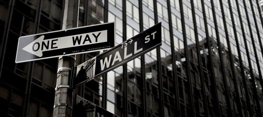 A su vez, el S&P 500 se redujo un 3,9 % -su mayor caída desde enero de 2016- y el Nasdaq...