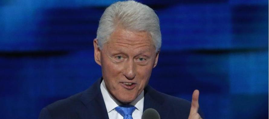 Clinton lanzó, ahora sí con palabras, un mensaje de unidad y emplazó por...