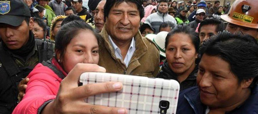 El presidente Morales, que durante años mostró su desconfianza en las redes sociales...