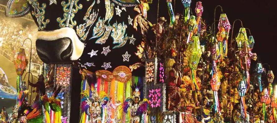 """""""El carnaval y el réveillon -noche de fin de año- son las principales fechas del..."""
