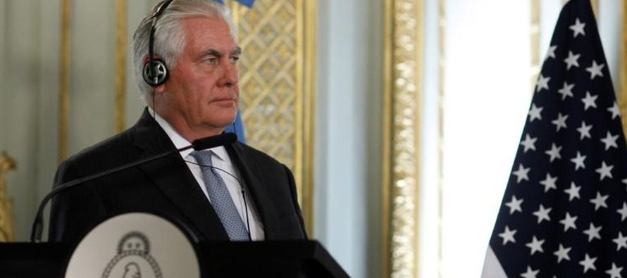 Tras llegar a Buenos Aires, el funcionario estadounidense dijo que Estados Unidos considera limitar...