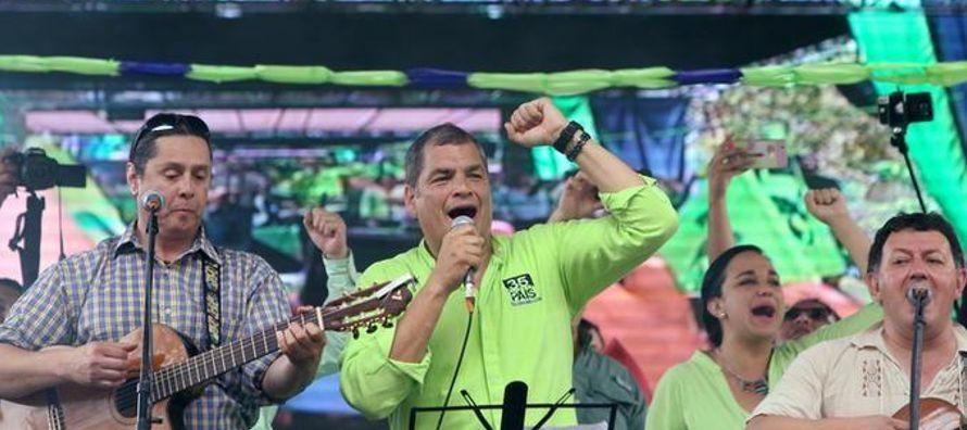 Moreno llamó al referéndum vinculante para acabar con lo que dijo es la...
