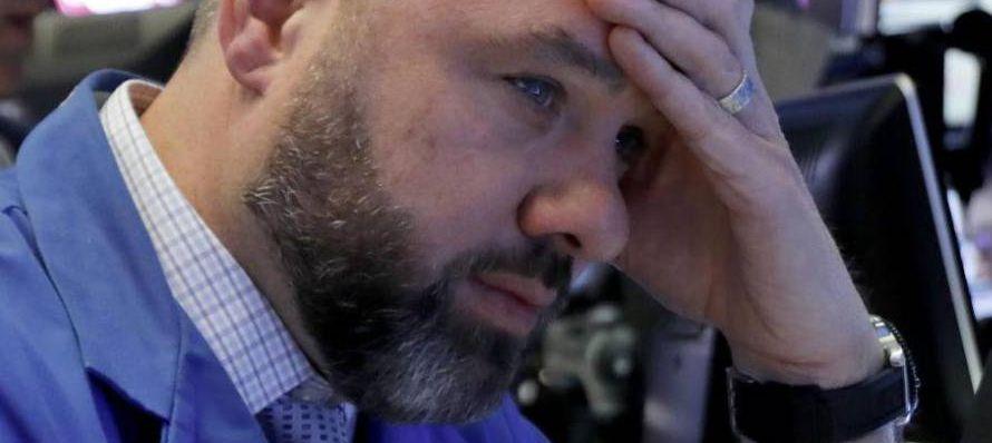 El Dow Jones inició la sesión con una caída inferior al 2%. Luego fue poco a...