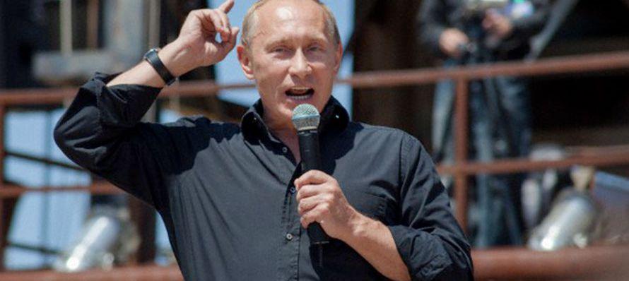 Putin ya está en campaña desde finales del pasado año, tiempo en el que ha...