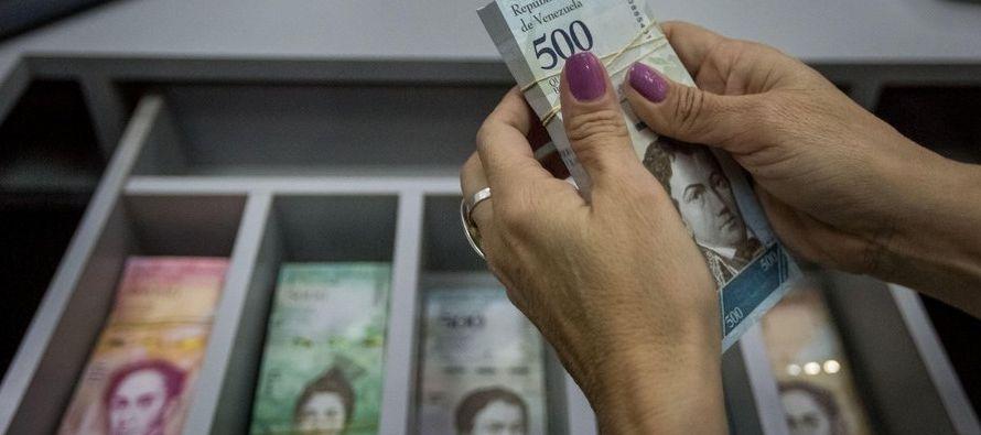 Los economistas de las prestigiosas firmas del país coinciden en que la medida de llevar el...