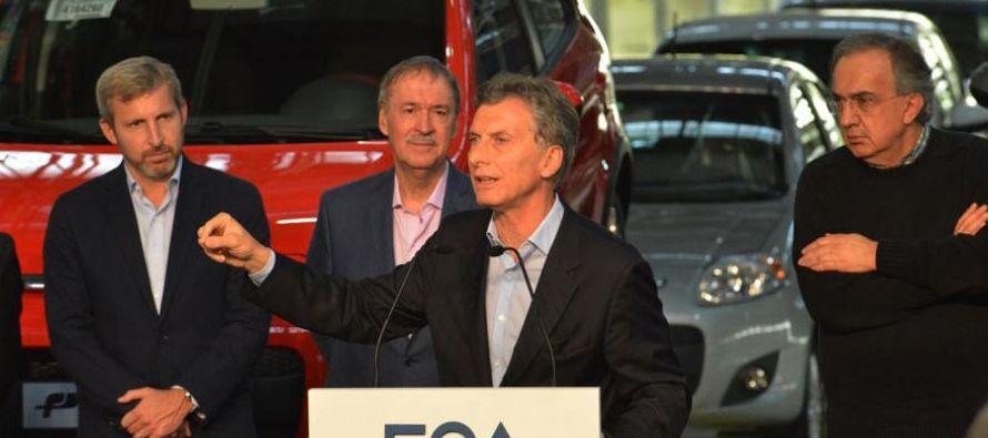Fiat presentó hoy junto al presidente de Argentina, Mauricio Macri, su nuevo modelo de...
