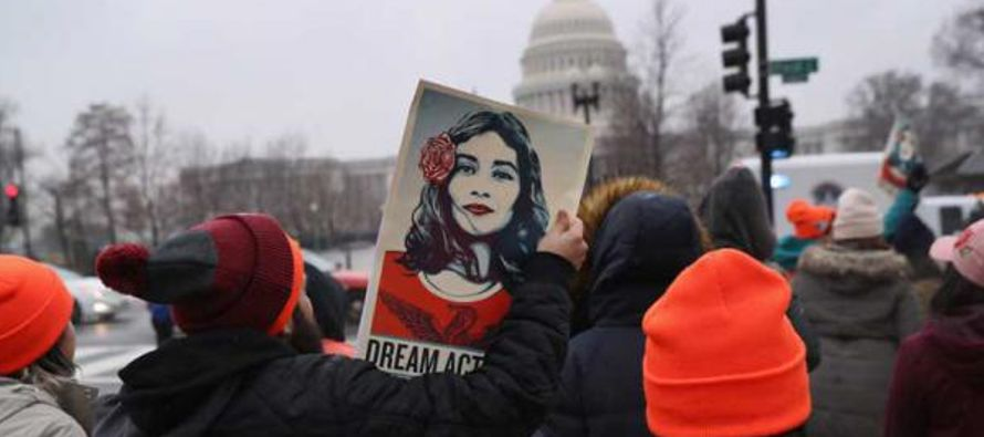 Desde que Trump decidiera eliminar el programa migratorio DACA, más de 18,000 jóvenes...