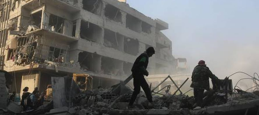 Los opositores armados al gobierno vieron ayer en esa zona su mayor matanza desde el avance de las...