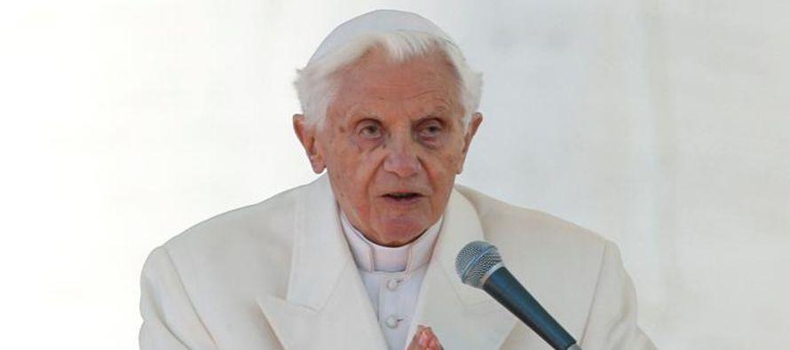 El Papa emérito Benedicto dijo en una carta publicada el miércoles por un diario...
