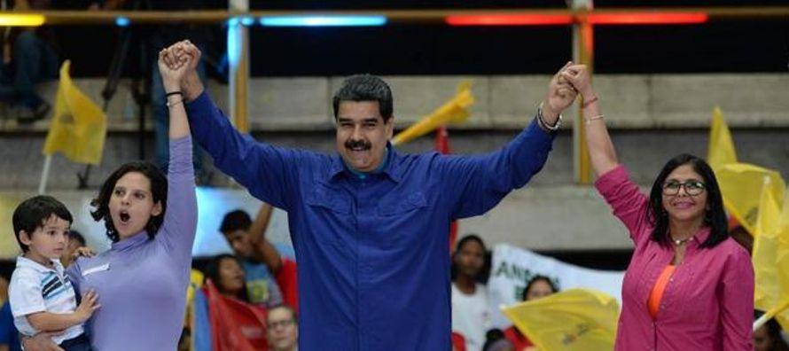 Nicolás Maduro buscará la reelección el 22 de abril, tras confirmar el Consejo...