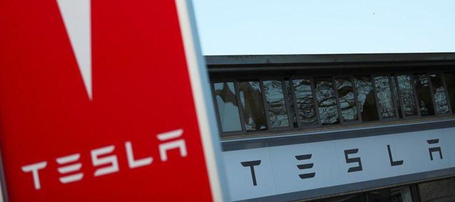 Sin embargo, Tesla ha tenido problemas para aumentar la producción del automóvil...