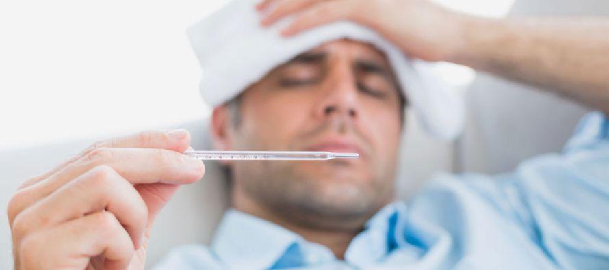 En conferencia de prensa, el neumólogo internista detalló que una de las principales...
