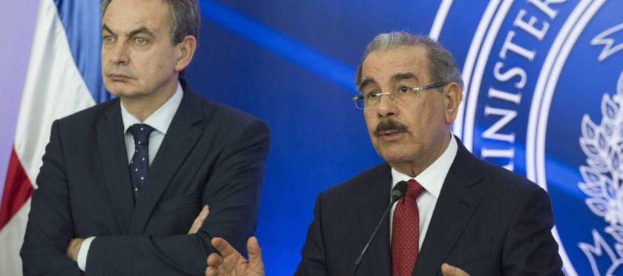 En este contexto, el llamamiento de Zapatero a la oposición no se corresponde con su papel...