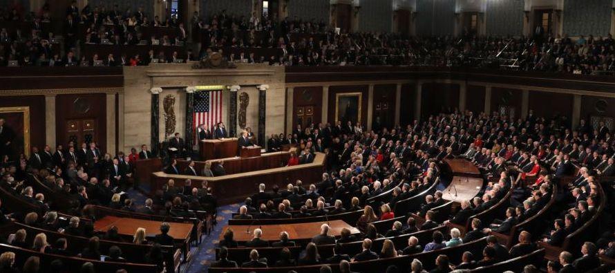 El Congreso aprobó esta madrugada un proyecto de ley para financiar al Gobierno hasta el 23...