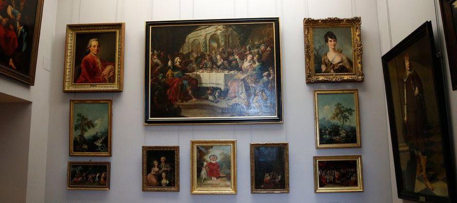 A primera vista, no queda claro por qué los curadores del Louvre decidieron atestar 31...