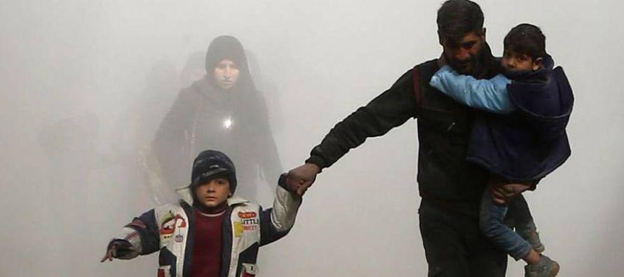Las sucesivas oleadas de la aviación del régimen de Bachar el Asad dificultan los...