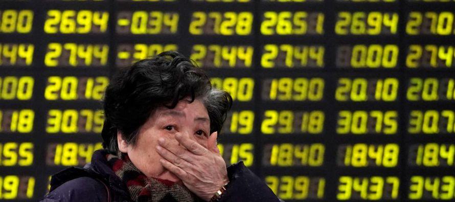 Las bolsas europeas caían levemente, pero el desplome en China volvió a perjudicar la...