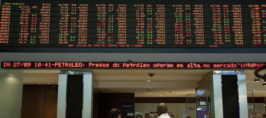Durante los cinco días, la plaza brasileña sufrió un batacazo del 3,7 %, en...