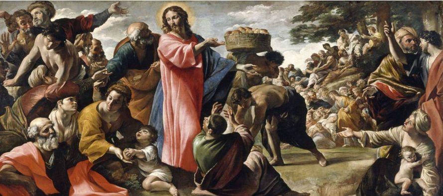 Él mandó a la gente acomodarse sobre la tierra y, tomando los siete panes y dando...