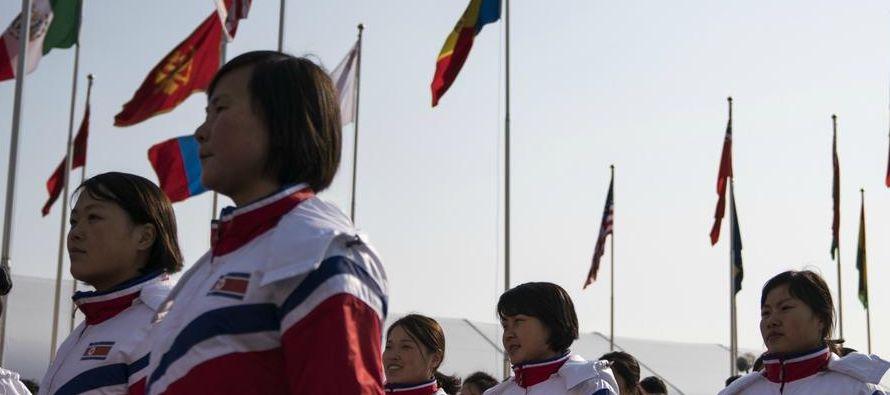 Apenas un mes después de que el líder norcoreano, Kim Jong Un, sorprendió al...