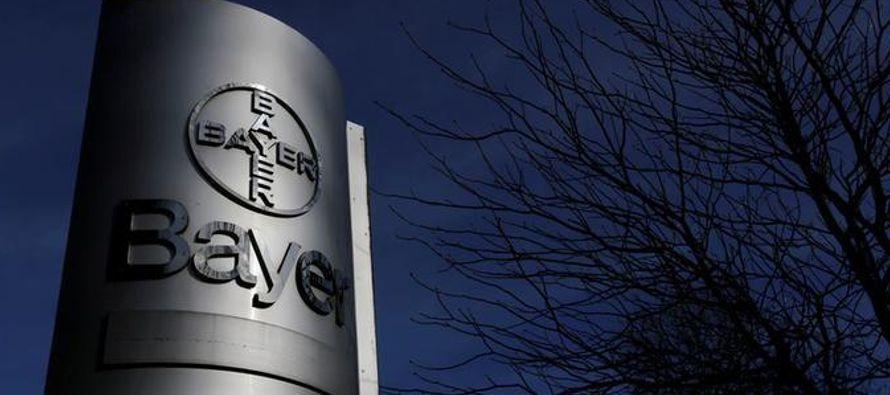 Reuters informó el jueves que Bayer planea vender su negocio mundial de semillas de...