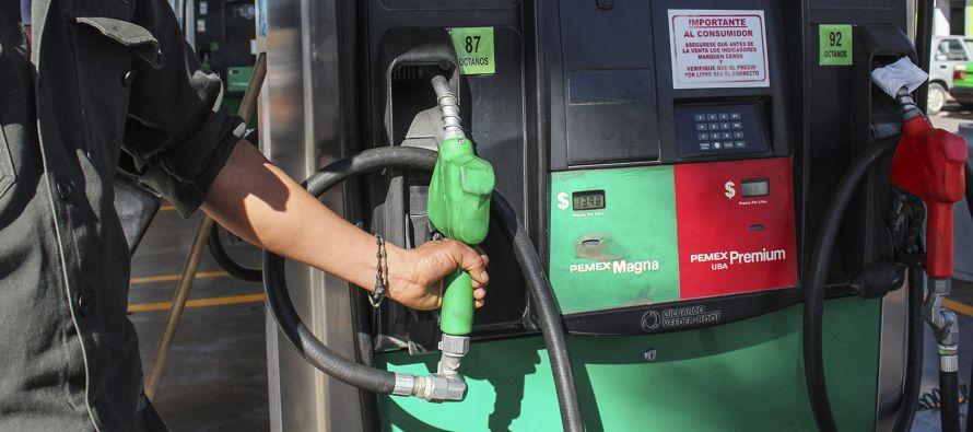 El despachador de una gasolinera operada por Hidrosina reveló que para percibir una...