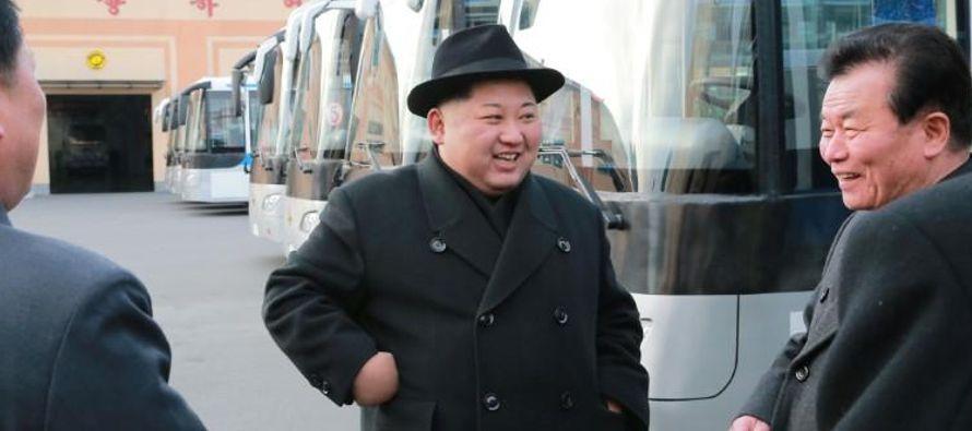 """Kim Jong Un también expresó """"satisfacción"""" por la misión de..."""