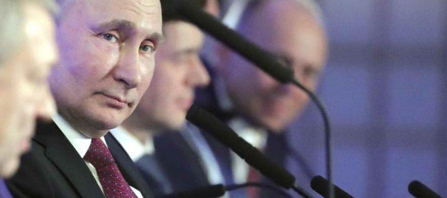 """""""El equipo del candidato Vladímir Putin nos ha transmitido su rechazo a los espacios..."""