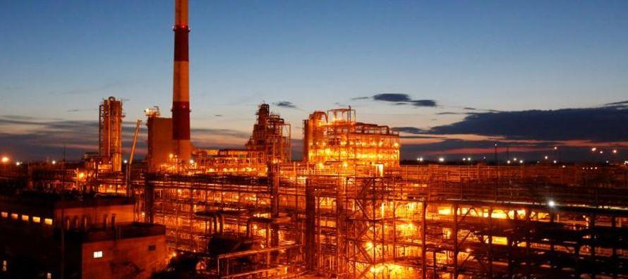 El recorte de la OPEP ha impulsado los precios del petróleo, que en enero alcanzaron los 71...