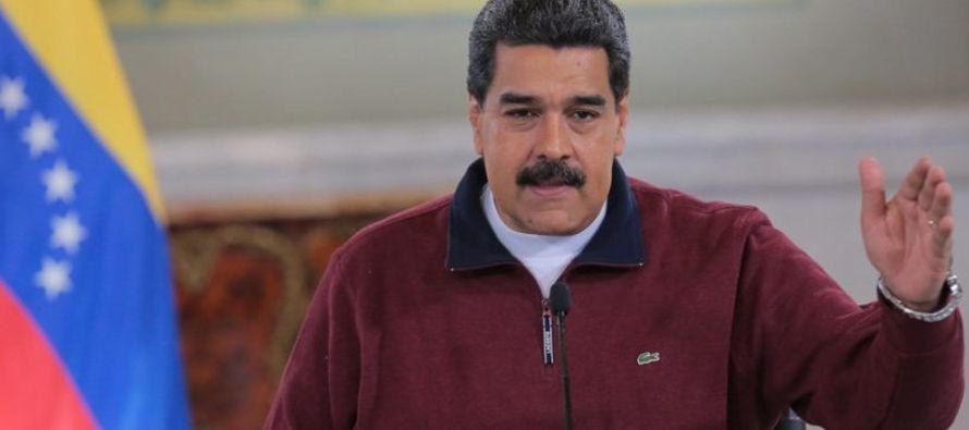 En esta misma rueda de prensa ofrecida en Caracas, el gobernante venezolano pidió que se...