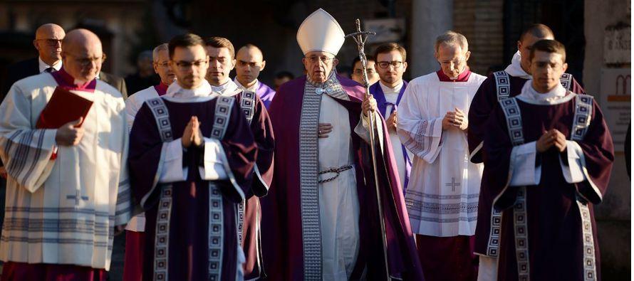 """Las autoridades del Vaticano dijeron que la meta de la comisión """"y su mayor..."""
