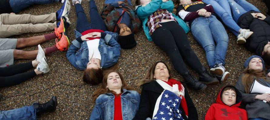 El movimiento ya tiene un rostro, el de Emma González, una estudiante de 18 años del...