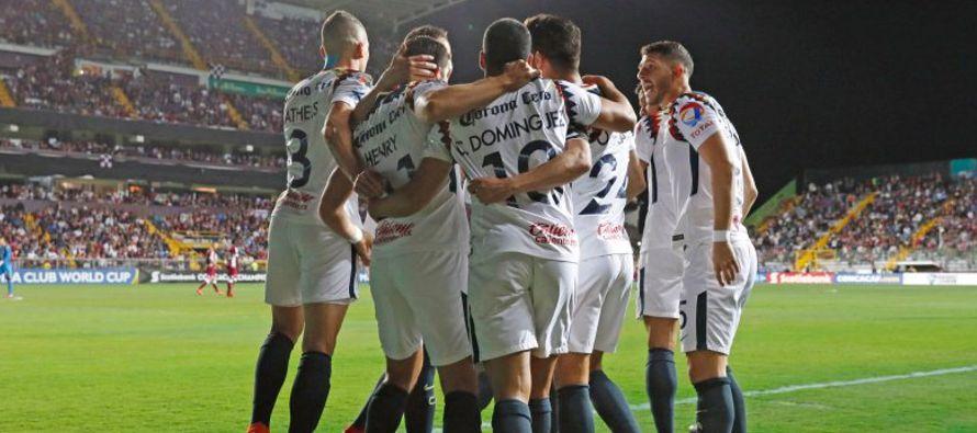 """Las """"Águilas"""" anotaron el cuarto gol a los 58 minutos por conducto de Ibarra,..."""