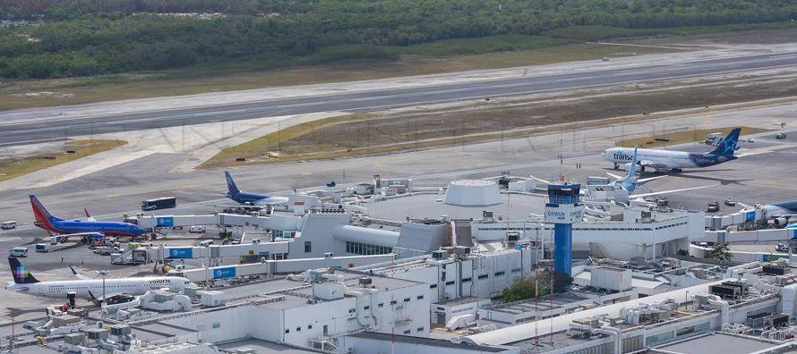 """De Juniac reconoció que el camino hacia los mil millones de pasajeros en 2025 """"no..."""