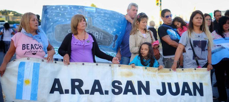 """""""Me siento triste y defraudada por el gobierno que tenemos"""", dice a EL PAÍS Isabel..."""