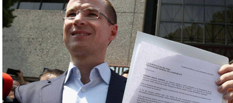 Las acusaciones contra Anaya afloran cuando el candidato del Frente se había consolidado en...