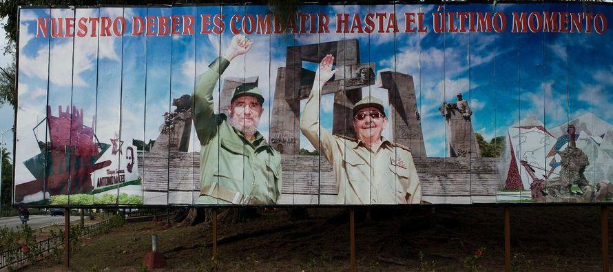El presidente Raúl Castro, hermano del fallecido Fidel Castro, no se postulará para...