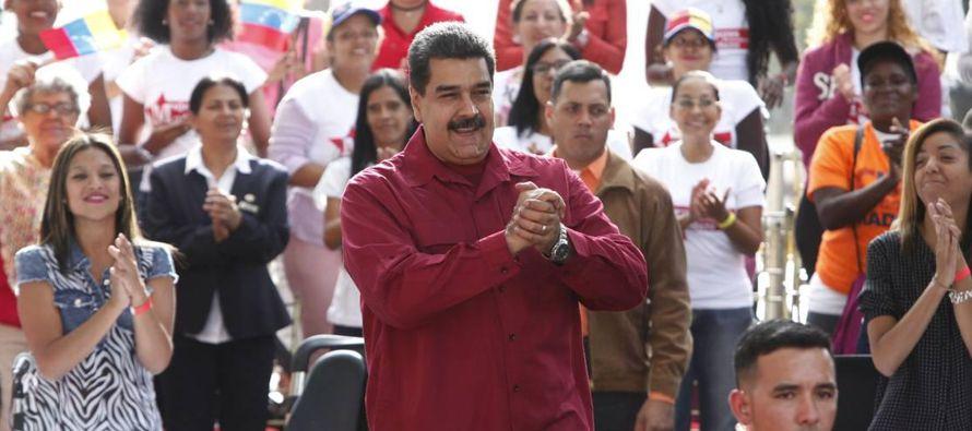 """""""Diez millones de votos es la deuda que tenemos con el comandante Hugo Chávez"""",..."""