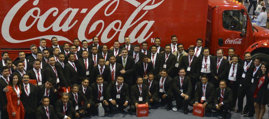 KOF, la mayor embotelladora de Coca-Cola en el mundo, reportó la semana pasada una...