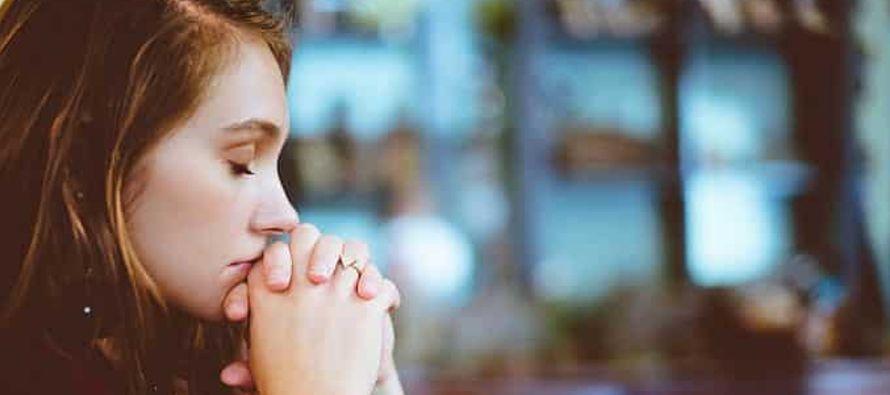 La oración es una apertura al Espíritu Santo que viene a nosotros para llenarnos de...