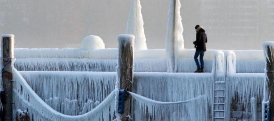 La ola de frío siberiano que azota a Europa ha provocado más de 40 muertos este...