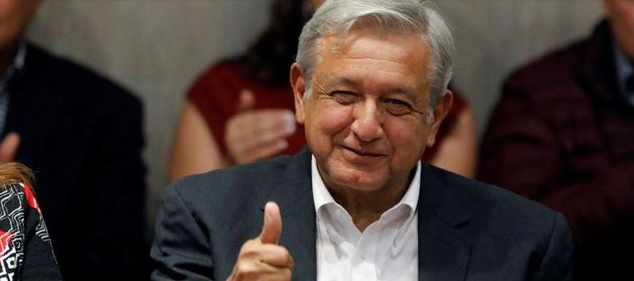 El veterano político, quien ha buscado la presidencia de México en 2006 y 2012,...